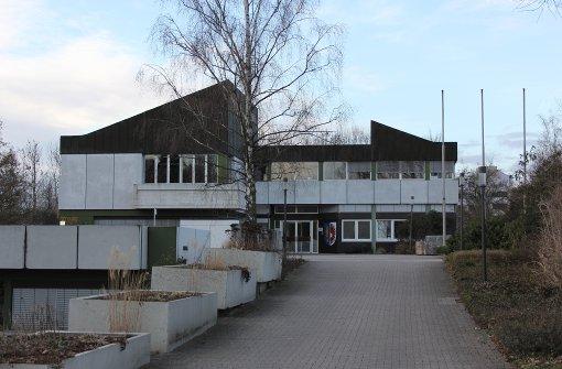 Stadt will Rathaus, Halle und Bibliothek