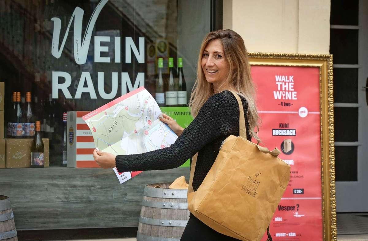 Janine Heß bietet Wein-Schatzkisten-Wanderungen an – und ist damit  auf der Höhe der Zeit. Foto: factum/Simon Granville