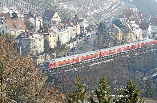 Mehr Gleise zum Bahnhof begrüßt