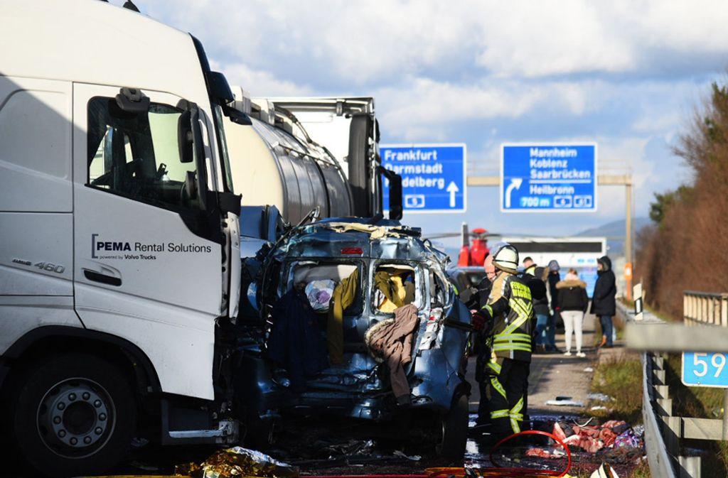 Bei diesem Unfall auf der A5 kam eine Familie ums Leben. Foto: dpa