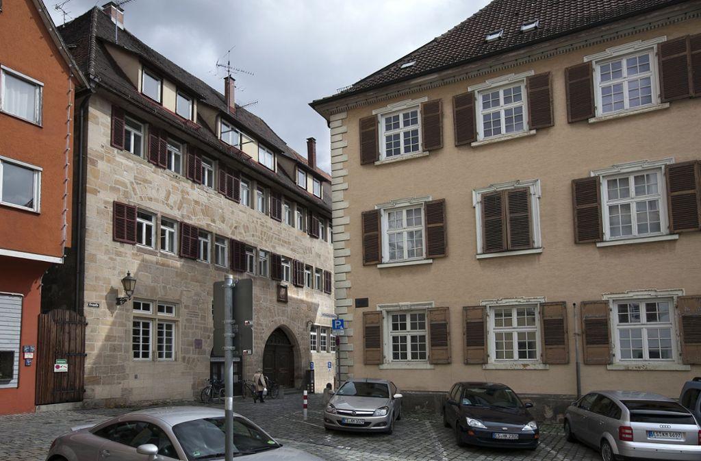 Der Bebenhäuser Hof in der Esslinger Heugasse beherbergt die Stadt-Bücherei. Foto: Horst Rudel