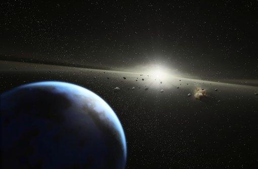 Asteroiden kreisen wie die Erde um die Sonne, aber ohne Schweif wie Kometen. Treffen sie auf die Erde, heißen sie Meteoriten. Foto: Nasa