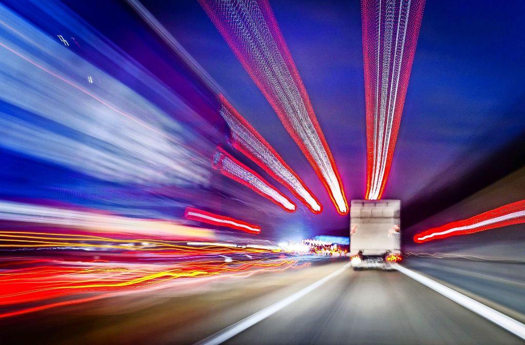 Die Hälfte der Mittel ist für Bundesstraßen und Autobahnen vorgesehen. Foto: dpa