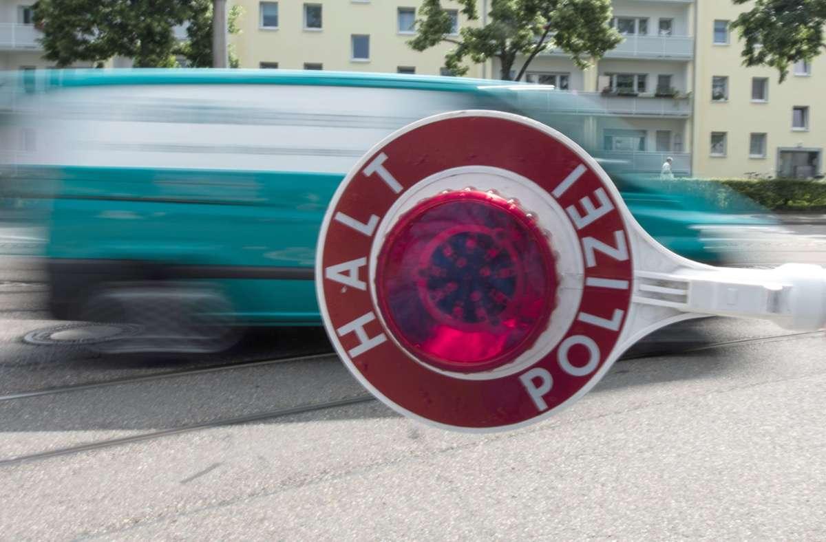 Eine Verkehrskontrolle in Herrenberg bringt gleich mehrere Vergehen mit sich Foto: dpa/Patrick Seeger