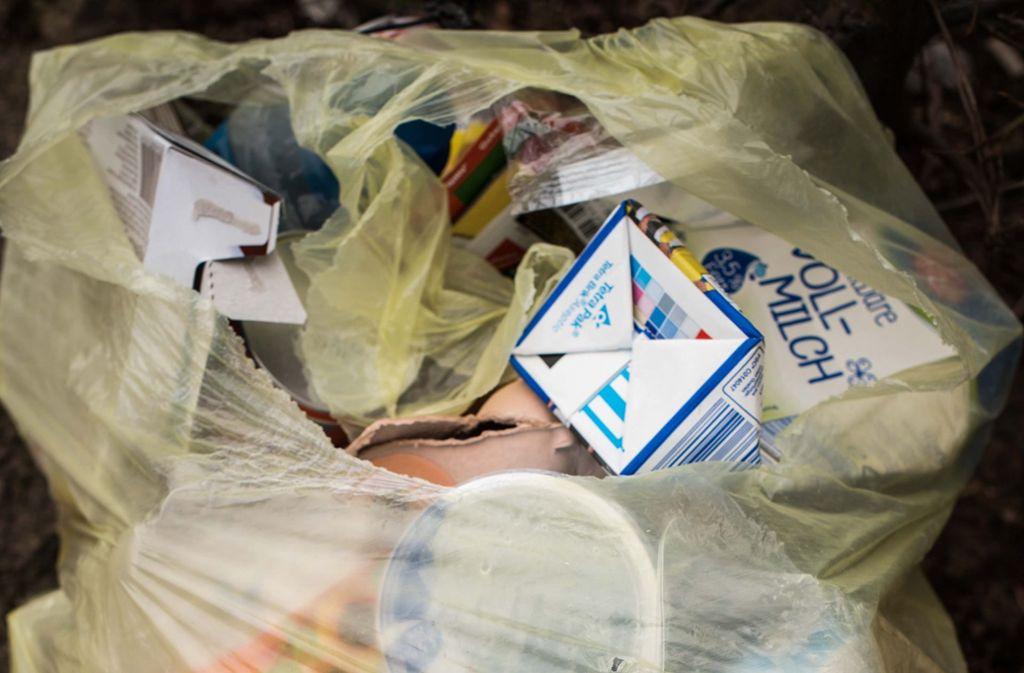 Wenn Müll brennt, fängt es an zu stinken. (Symbolbild) Foto: Lichtgut/Max Kovalenko
