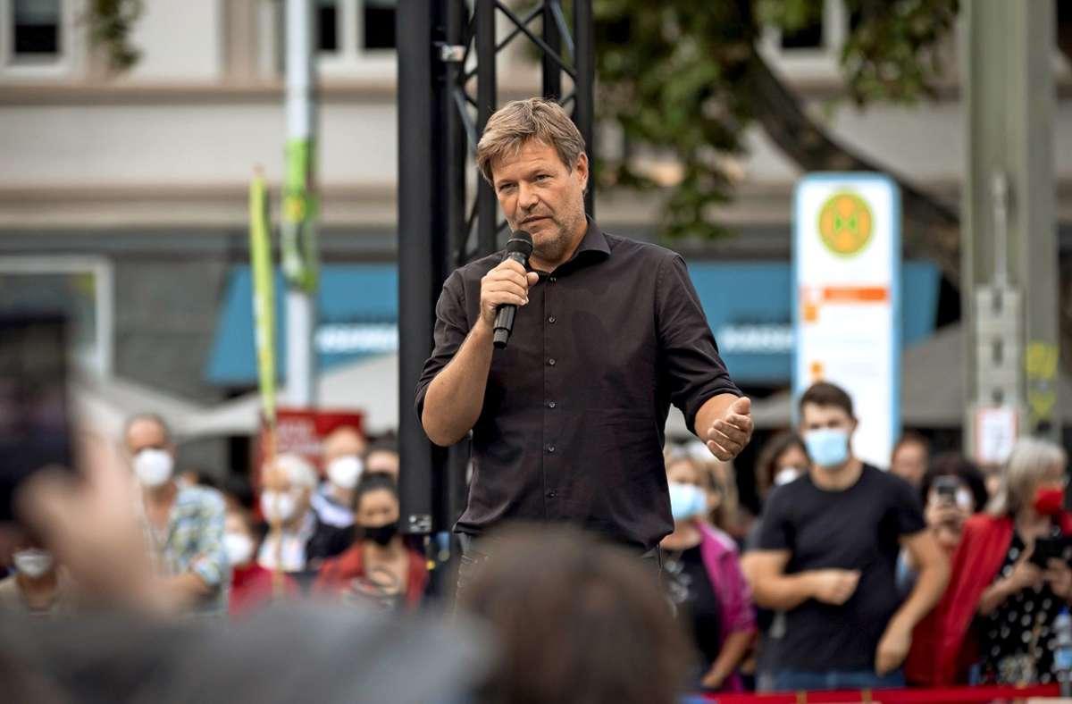 Grünen-Chef Robert Habeck hat seine Zuhörer auf dem Stuttgarter Marienplatz begeistert. Foto: Lichtgut/Julian Rettig