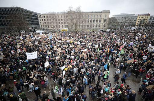 Tausende Schüler gehen in Berlin auf die Straße