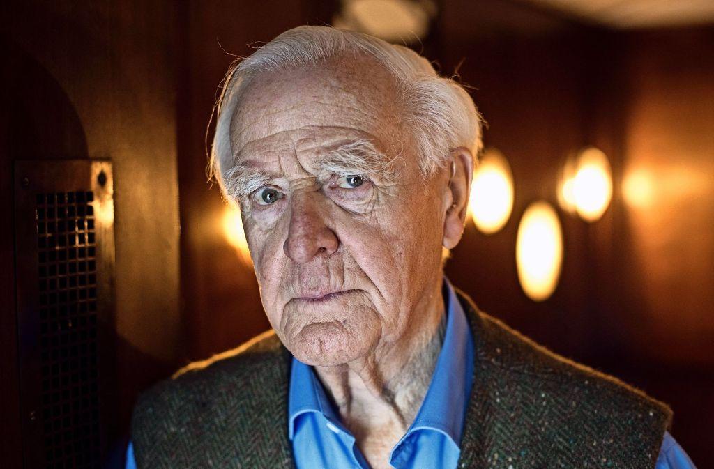 John le Carré legt ein begeisterndes Alterswerk vor – für dessen vollen Genuss man die früheren Smiley-Romane kennen sollte. Foto: dpa