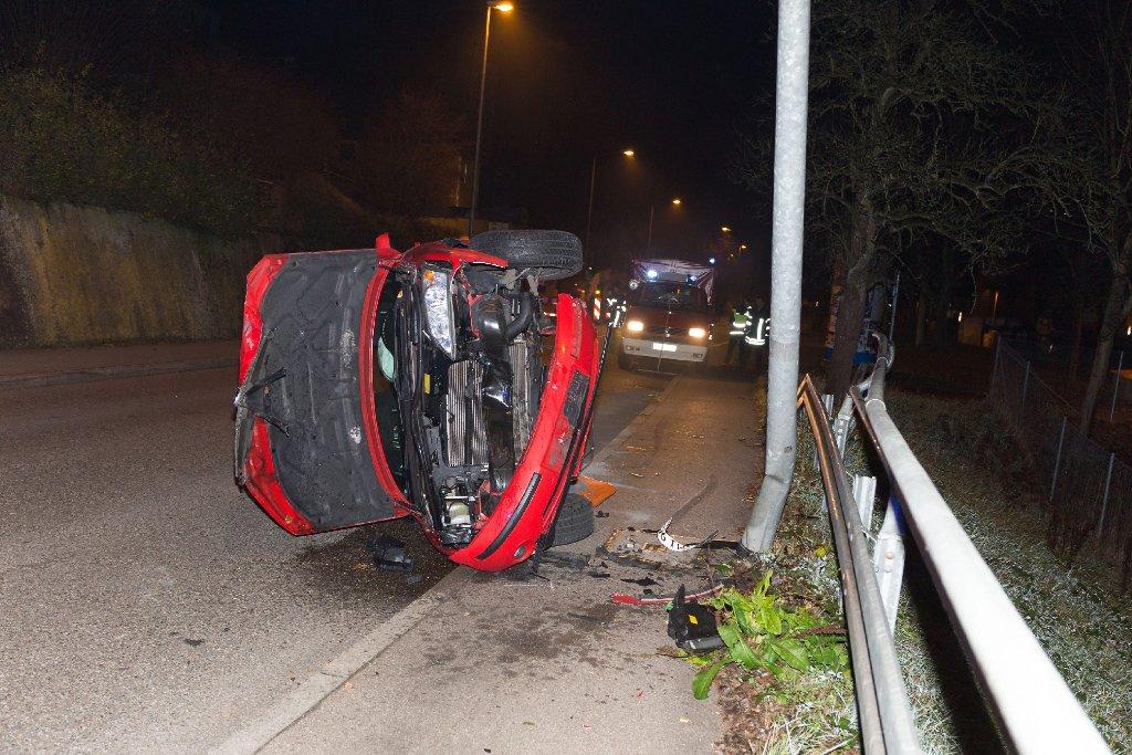 Auf dem Heimweg von einer Disco verlor eine 20-Jährige am Wochenende in Esslingen die Kontrolle über ihren Wagen. Foto: www.7aktuell.de | Timo Reichert