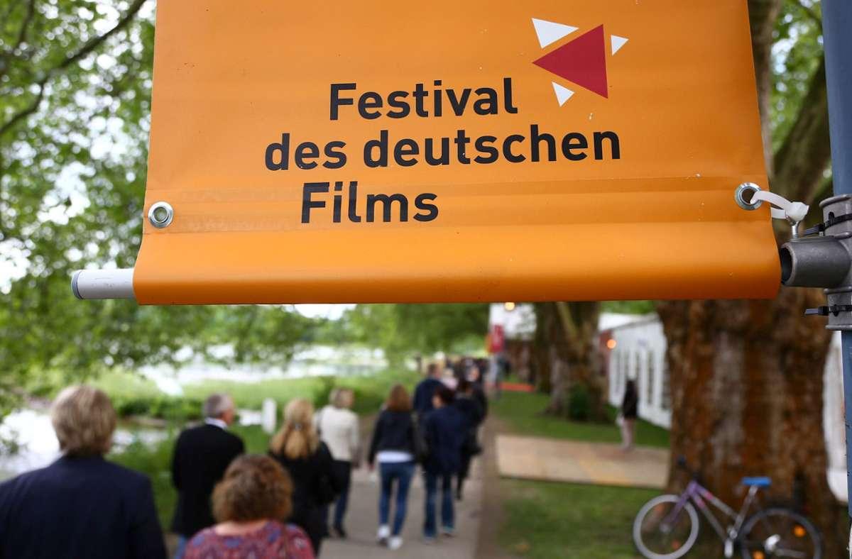 Besucher bei der Eröffnung des Ludwigshafener Festivals 2019 Foto: dpa/Markus Prosswitz