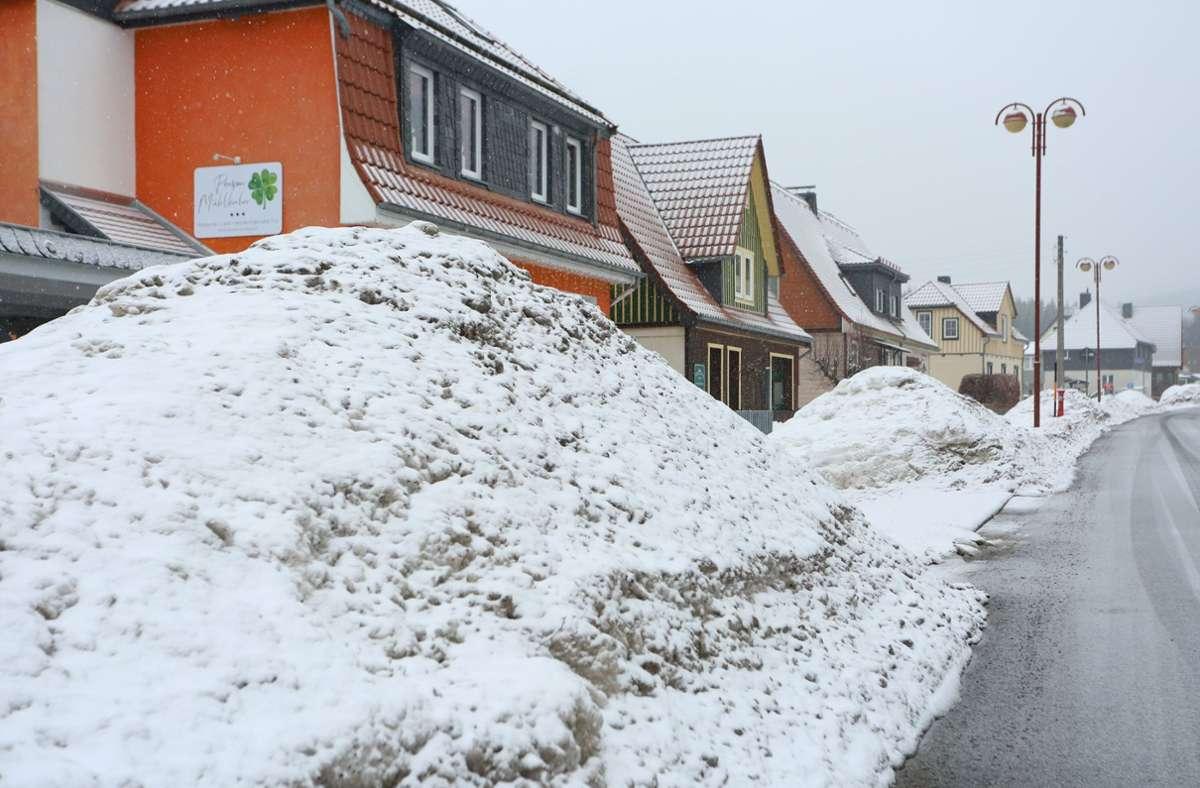 Schneeberge in Sachsen-Anhalt: Starker Schneefall ist für Norddeutschland erwartet. Foto: dpa/Matthias Bein