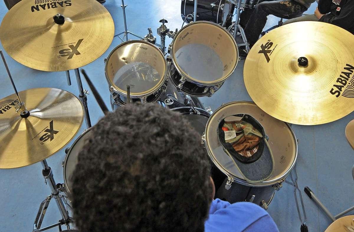 Nicht jeder mag einen Schlagzeuger zum Nachbarn haben. Foto: dpa
