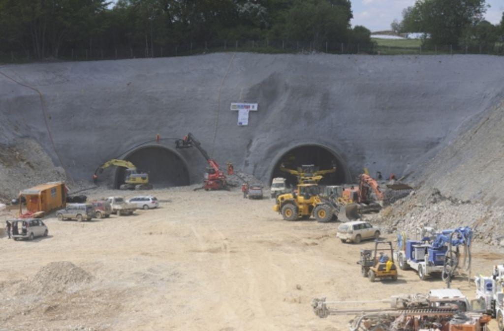 Bei Hohenstadt graben sich die Mineure   tief in den Berg. Foto: Bahnprojekt Stuttgart-Ulm