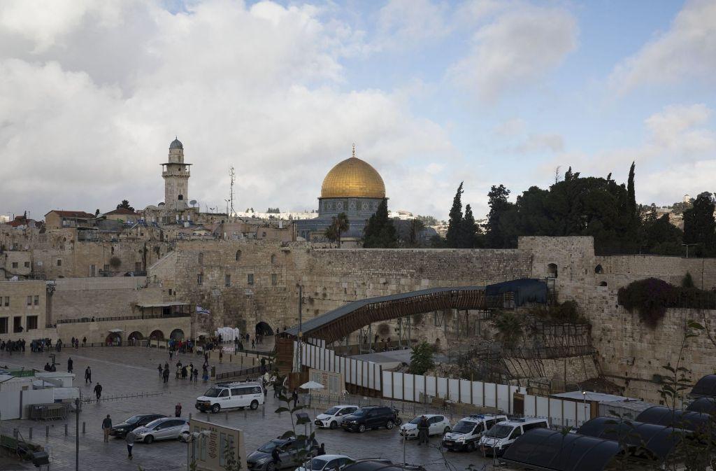 Jerusalem – hier im Bild mit der Klagemauer und dem Felsendom – ist ein Brennpunkt des gesamten Nahostkonflikts. Foto: dpa