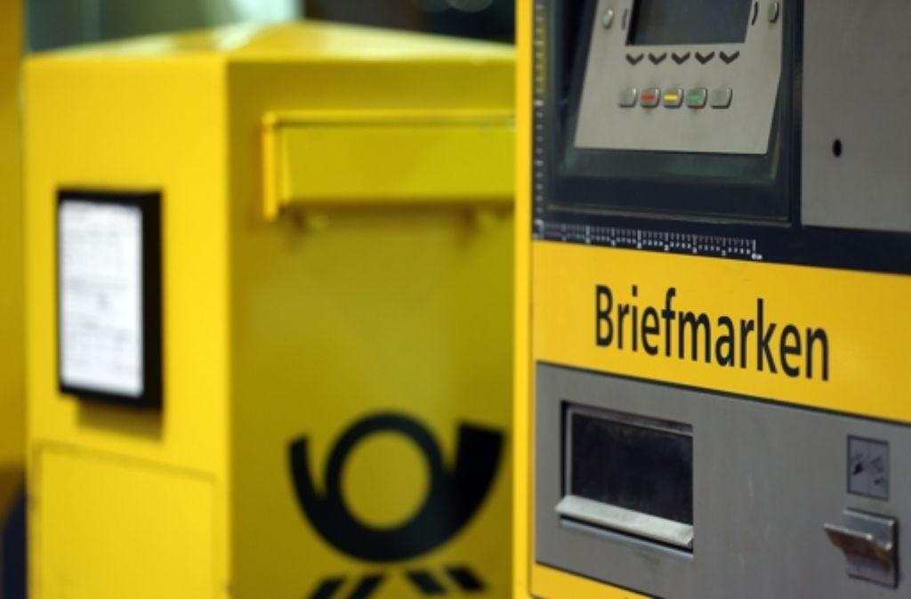 Das Briefporto könnte sich von 2016 an stark verteuern. Foto: dpa