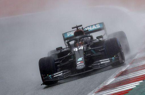 Weltmeister Lewis Hamilton sichert sich die Pole Position