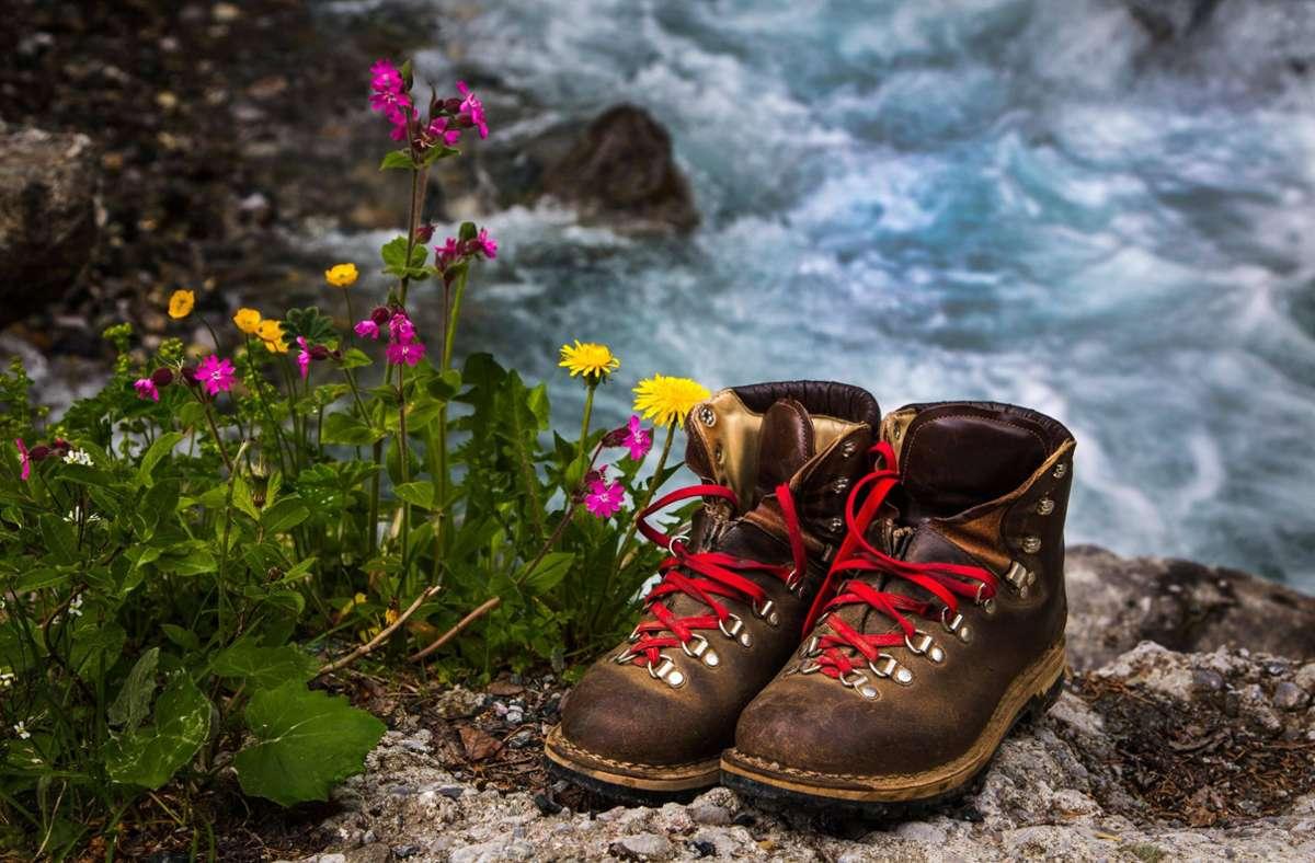 Schuhe geschnürt, Rucksack gepackt und los geht es: In unserer Serie empfehlen wir 24 Ausflüge. Foto: imago images /Panthermedia