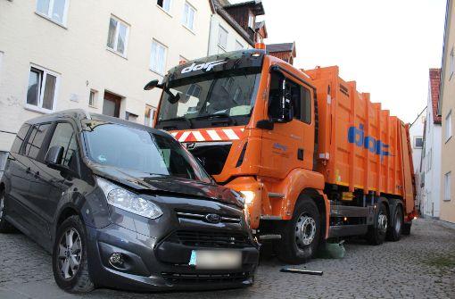 Mülllaster-Fahrer erliegt seinen Verletzungen