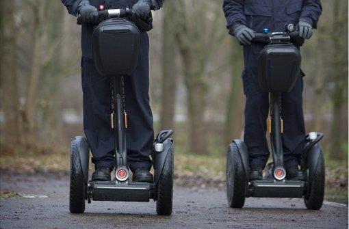 Polizisten sollen bald mit Segways unterwegs sein. Foto: Gottfried Stoppel