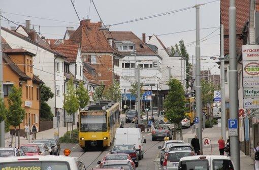 Ampeln und  Verkehr machen es der Stadtbahn schwer