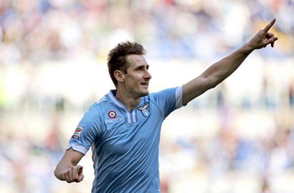 Miroslav Klose jubelt auch weiter im Trikot von Lazio Rom. Foto: dpa