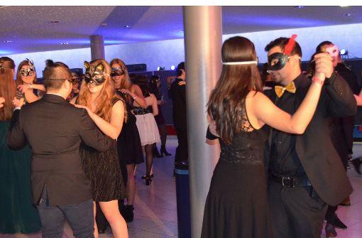 Der Maskenball wurde mit einem klassischen Wiener Walzer eröffnet. Foto: Wiebke Wetschera