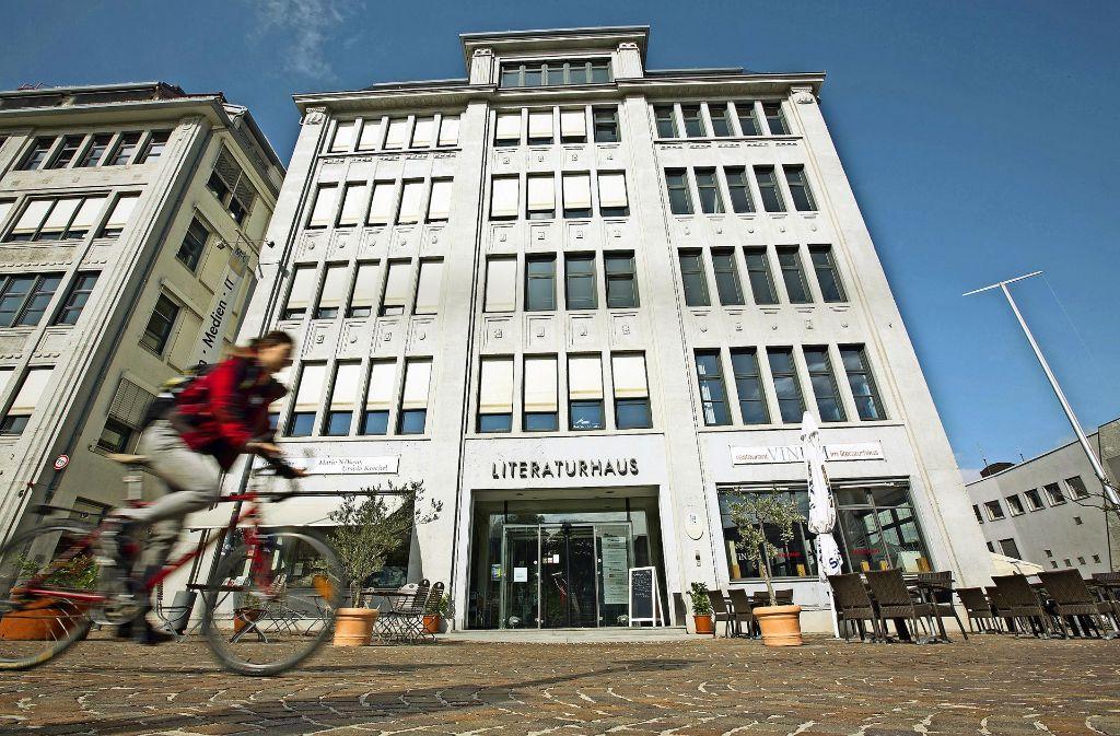 Aus dem Leben der Stadt nicht mehr wegzudenken: das Stuttgarter Literaturhaus Foto: Michael Steinert, Stefan Kister, Fotolia