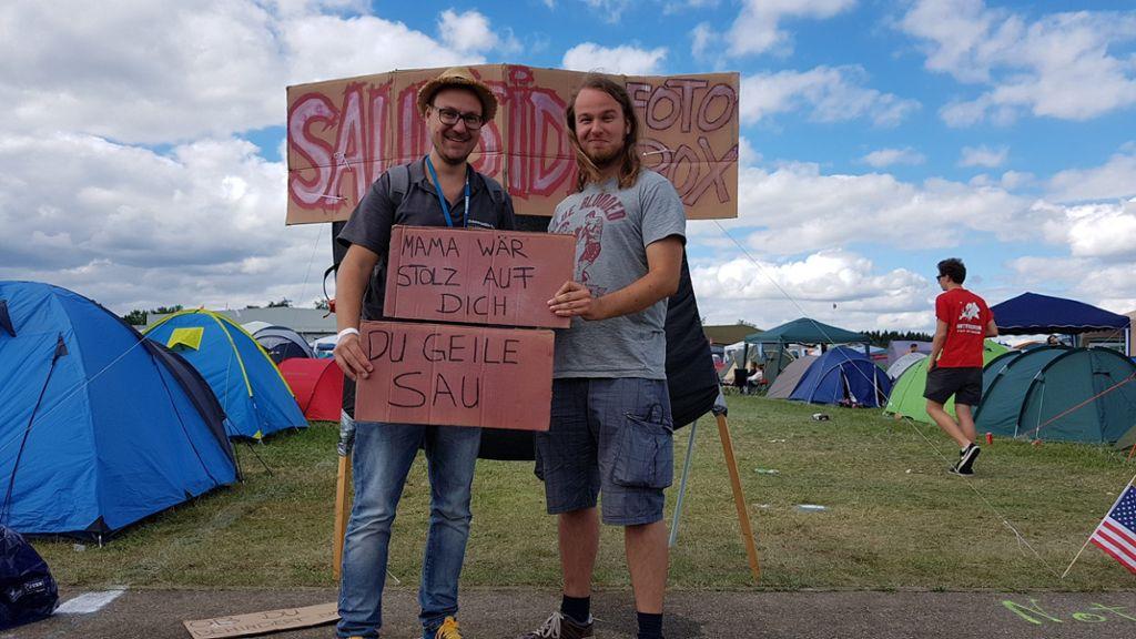 Auf welchem Campingplatz die beste Party steigt? Unsere Reporter Nils Horst (links) und Johannes Böhler haben sich auf die Suche gemacht.  Foto: Horst/Böhler