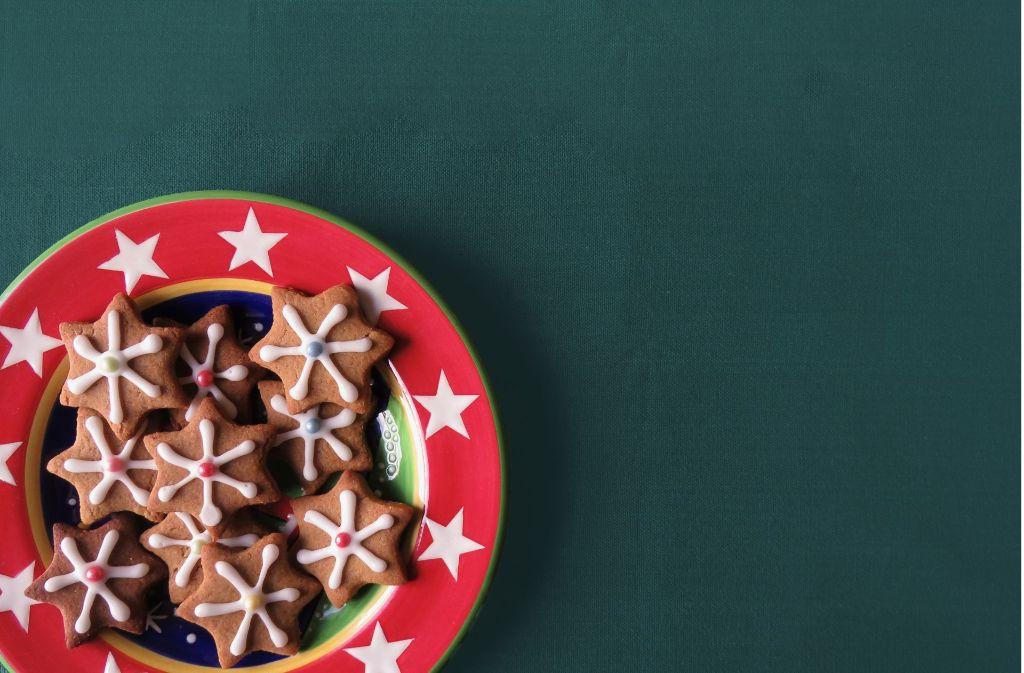 Plätzchen, Gutsle und noch allerlei mehr Köstlichkeiten wie  Gans oder Ente – an Weihnachten legt man schnell ein paar Pfund zu. Foto: Pixabay