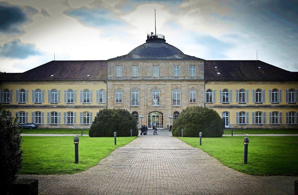 Schöner Campus, aber wenig Platz drum herum: die Uni Hohenheim Foto: Lg/Achim Zweygarth