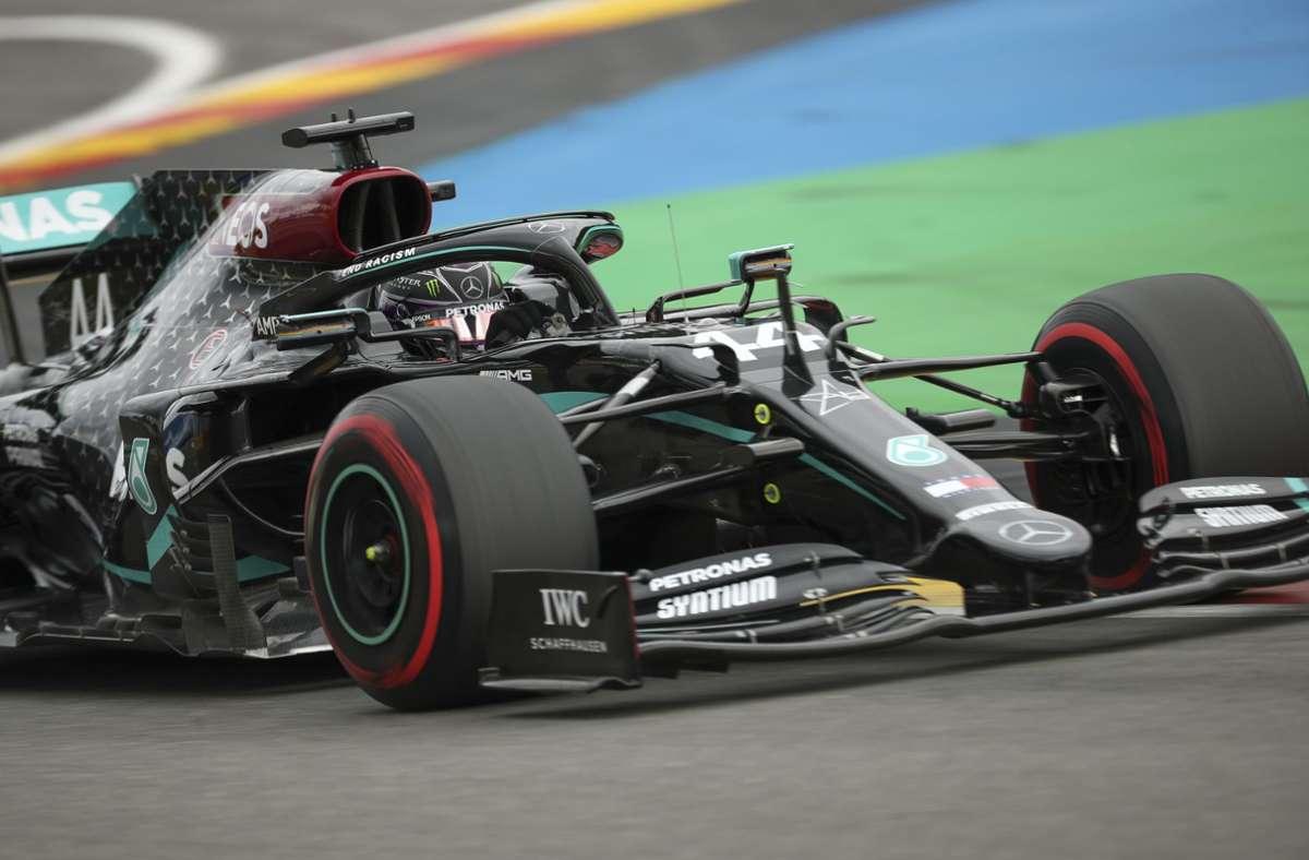 Der Brite Lewis Hamilton sicherte sich im Qualifying am Samstag die Pole Position. Foto: dpa/Francisco Seco