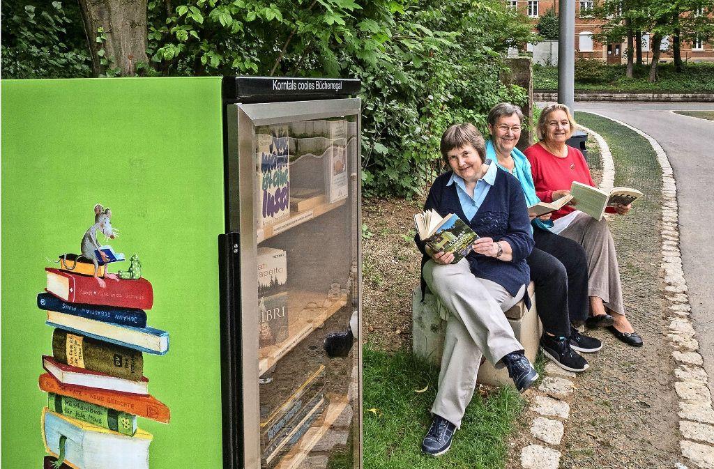 Das Projekt wird betreut von Martina von der Brelje-Schulten, Gudrun Bosch und Veronika Unfried. (von links). Foto: factum/Weise