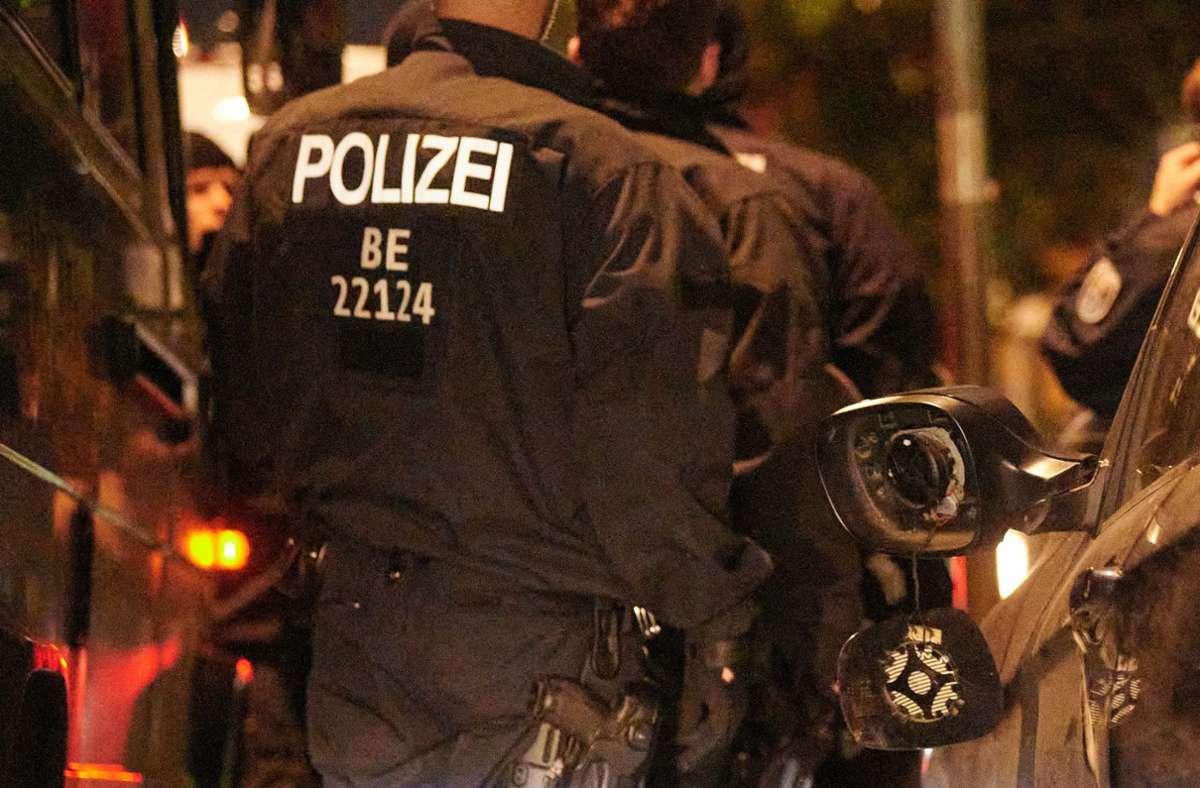 Bei Demonstrationen in Berlin wurden 45 Polizisten verletzt. Foto: dpa/Annette Riedl