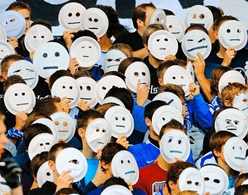 Ein Prosopagnostiker sieht Augen und Mund, weiß aber nicht von wem sie sind. Foto: dpa