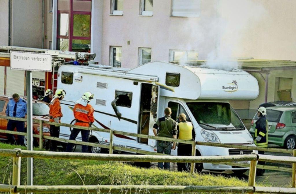 In diesem Wohnmobil sollen die NSU-Terroristen Uwe Mundlos und Uwe Böhnhardt 2011 Selbstmord begangen haben. Foto: dpa
