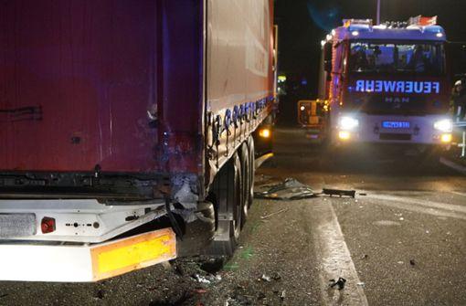 Wieder Unfall wegen parkendem Laster