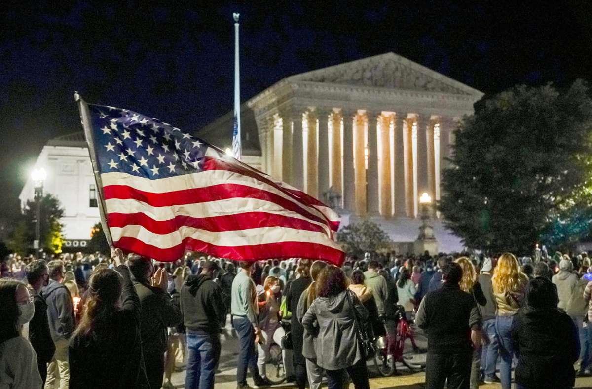 In den USA ist die Trauer um Ruth Bader Ginsburg groß – die Verfassungsrichterin galt als Identifikationsfigur für das linksliberale Amerika. Foto: dpa/J. Scott Applewhite