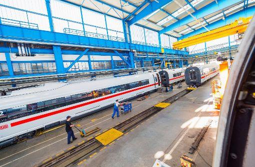 66 ICEs will die Deutsche Bahn mit neuer Technik und Innenausstattung ausrüsten. Foto: dpa