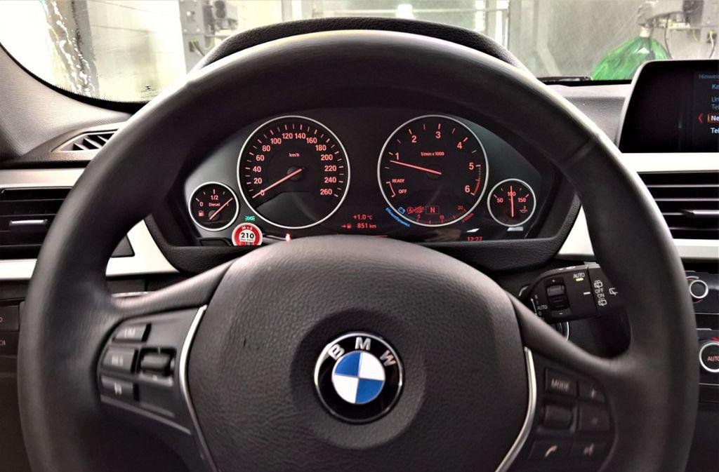 BMW hat Mängel an den Airbags in 5er- und 3er-Modellen festgestellt. Foto: imago images/Manfred Segerer