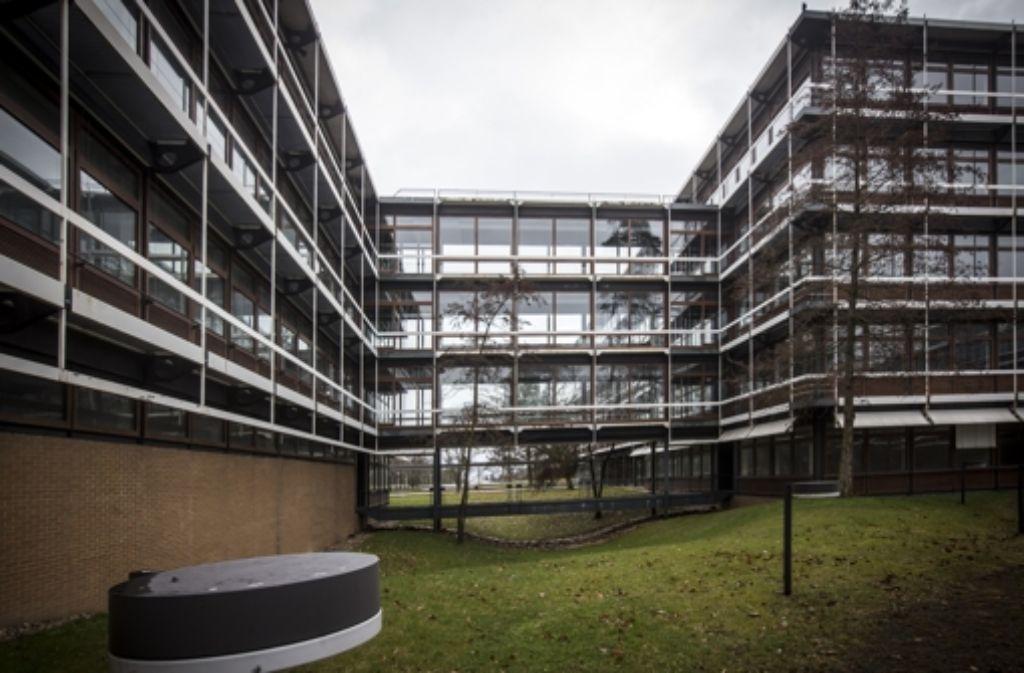 Seit Jahren stehen die Bürogebäude der alten IBM-Zentrale leer. Foto: Achim Zweygarth