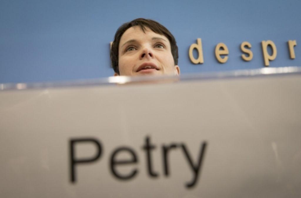 """Die AfD-Vorsitzende Frauke Petry – hier bei einem Auftritt in der Bundespressekonferenz in Berlin spricht gerne von der """"Pinocchio-Presse"""". Foto: Getty Images Europe"""
