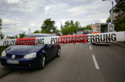 Am Dienstagnachmittag hat sich in Stuttgart-Untertürkheim ein tragischer Unfall ereignet, in dessen Folge ein 14-jähriges Mädchen sein Leben lassen musste. Foto: 7aktuell.de/Herlinger