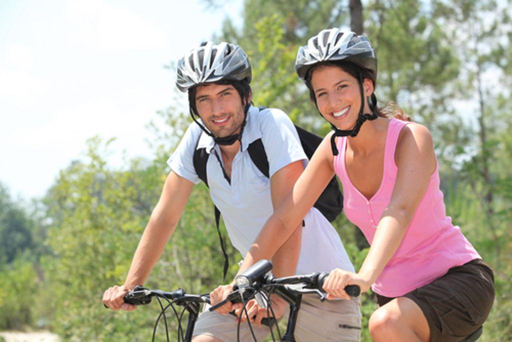Gelenkschonend und äußerst effizient, was den Kalorienverbrauch angeht - Radfahren gilt nicht umsonst als eine der gesündesten Sportarten. Foto: Shutterstock/Phovoir