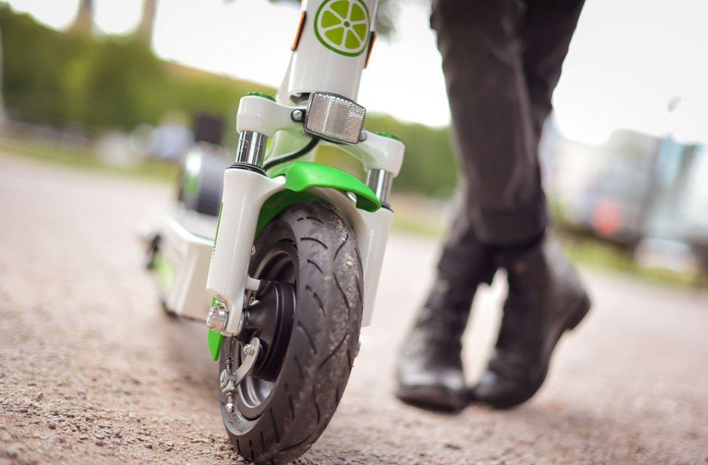 Solche E-Scooter sieht man inzwischen auch in Stuttgart. Foto: Lichtgut/Max Kovalenko