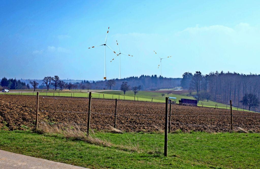 So könnte der geplante Windpark Goldboden aus Richtung Manolzweiler laut einer Visualisierung aussehen. Foto: EnBW