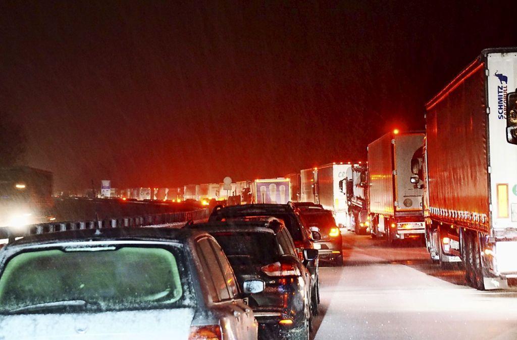 Auf der A81 dauerte es am Morgen länger wegen eines Unfalls bei Ludwigsburg (Symbolbild). Foto: dpa/Sdmg