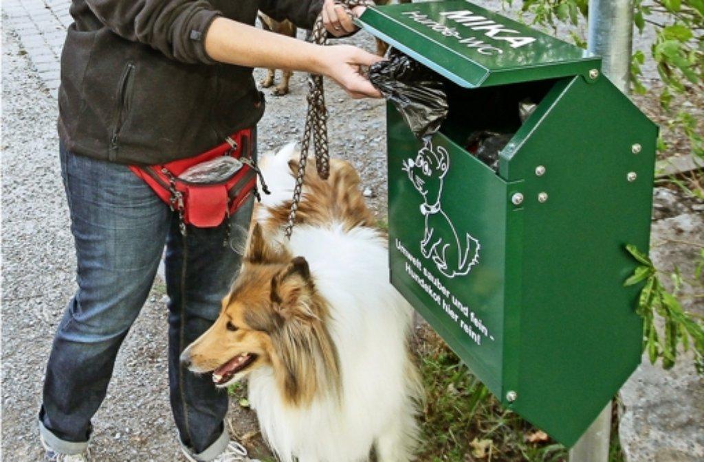Statt auf des  Bauern Feld landet das Hunde-Häufchen Foto: factum/Bach
