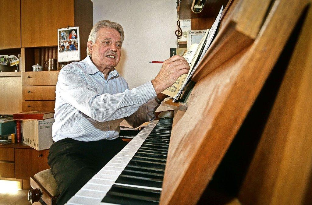 Martin Wolf spielt auch Klavier und Posaune. Foto: factum/Bach