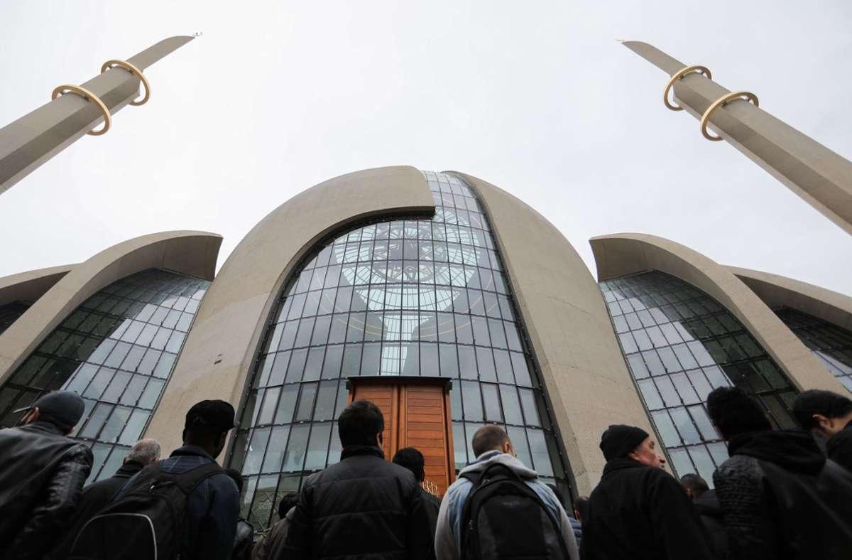 Moschee in Köln: Foto: dpa/Rolf Vennenbernd