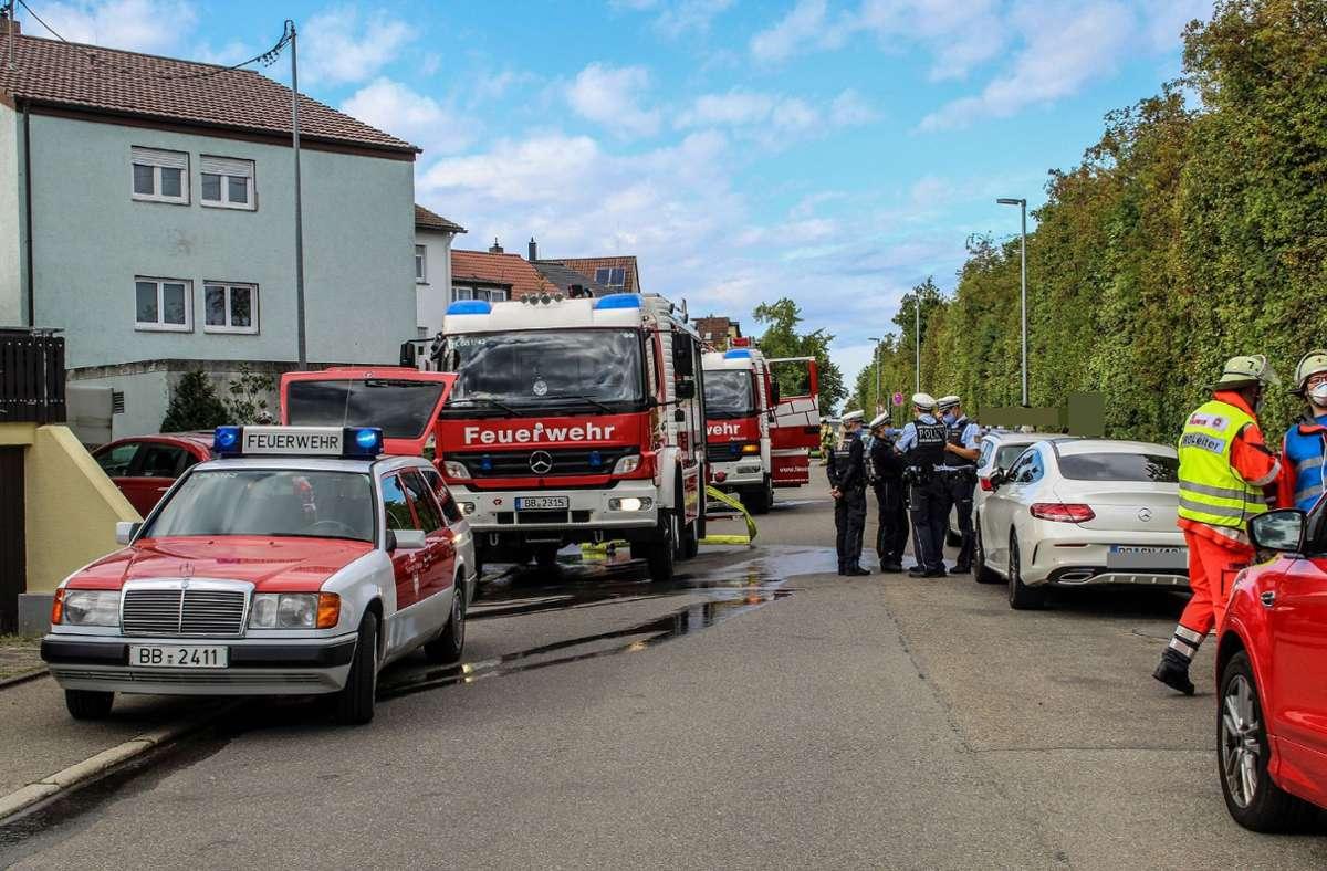 Obwohl die Feuerwehr den Brand in Böblingen unter Kontrolle brachte, ist ein hoher Sachschaden entstanden. Foto: SDMG/Dettenmeyer